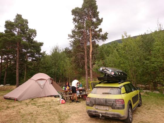 CAMP IN NORWEGEN