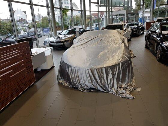 Zugeschlagen - Einer der allerletzten BMW i8 :-)
